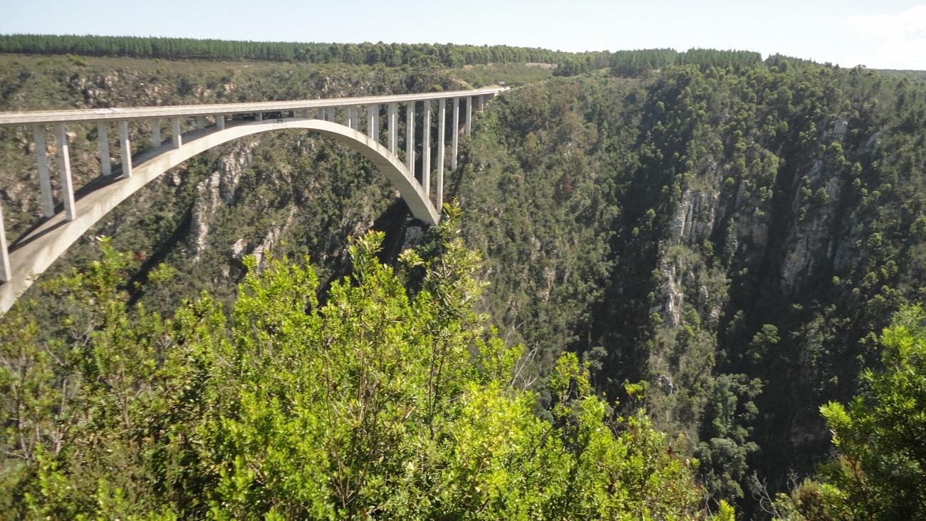 Bloukrans River Bridge, o maior Bungee Jump do mundo