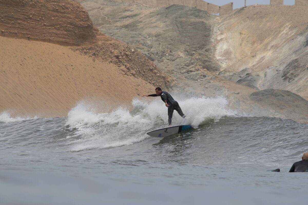 Surf em Chicama, Norte do Peru.
