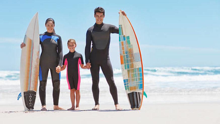 Leve a família para surfar!