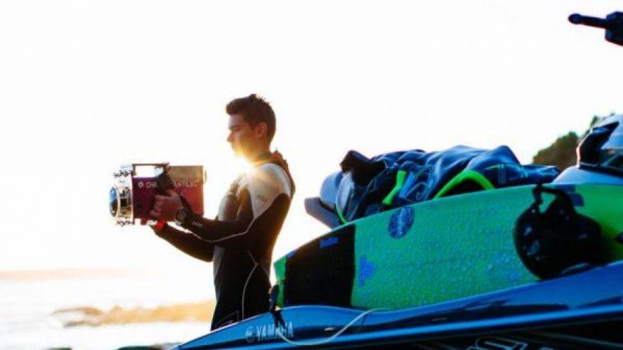 COM 17 ANOS, ELE ESTÁ ENTRE OS MELHORES FOTÓGRAFOS DE SURF DO MUNDO